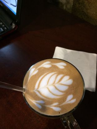 Foto 6 - Makanan(Hot Caramel Machiato) di Cafe LatTeh oleh Sinta Elviyanti
