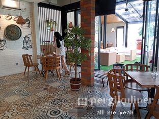 Foto 4 - Interior di Kode-in Coffee & Eatery oleh Gregorius Bayu Aji Wibisono