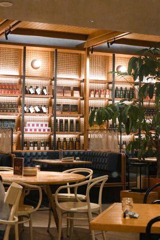 Foto 10 - Interior di Social House oleh thehandsofcuisine