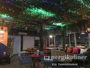 Foto 8 - Interior di Opiopio Cafe oleh Ria Tumimomor IG: @riamrt