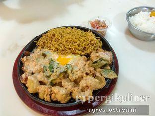 Foto - Makanan(Hot Plate Salted Egg) di Yolk Belly oleh Agnes Octaviani