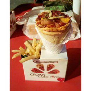 Foto - Makanan di Crown Pizza Cone oleh chubby Bandung