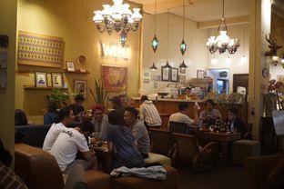 Foto 5 - Interior di Wiki Koffie oleh Fadhlur Rohman