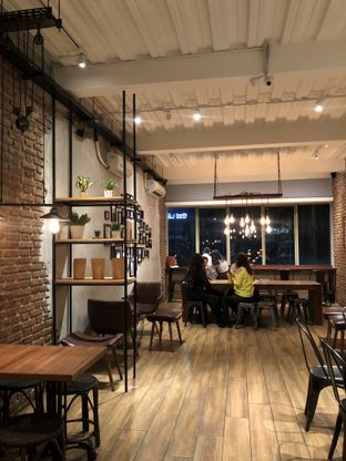Foto 6 - Interior di Dancing Goat Coffee Co. oleh Mitha Komala