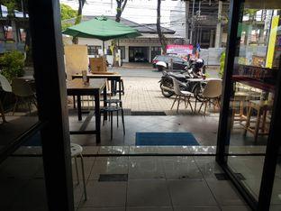 Foto 7 - Interior di Thamir Coffee oleh D L