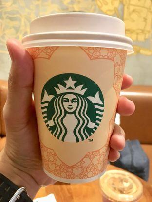 Foto 7 - Makanan di Starbucks Coffee oleh Prido ZH