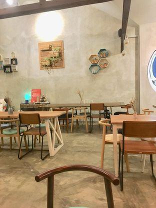 Foto 7 - Interior di Kona Koffie & Eatery oleh Prido ZH