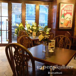 Foto 15 - Interior di GB Bistro & Dessert oleh Darsehsri Handayani