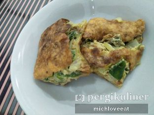 Foto 6 - Makanan di Martabak Sinar Bulan oleh Mich Love Eat