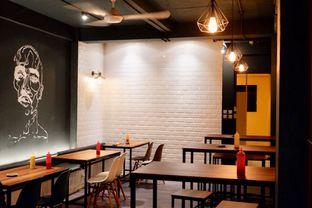 Foto 11 - Interior di Monster Cheese Pizza oleh yudistira ishak abrar