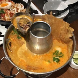 Foto 4 - Makanan(Tom Yum Hotpot) di Greyhound Cafe oleh Jeljel