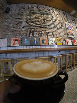 Foto 3 - Makanan(Hot Cappucino) di Filosofi Kopi oleh Pria Lemak Jenuh