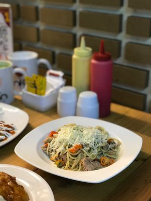 Foto 1 - Makanan di Loko Cafe oleh yudistira ishak abrar