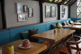Foto 7 - Interior di The Larder at 55 oleh eatwerks