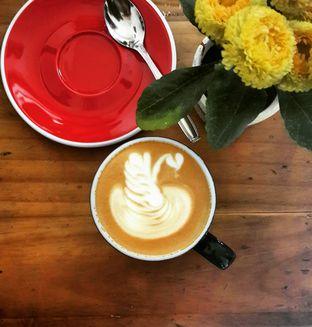 Foto - Makanan(Cappuccino) di Rosso' Micro Roastery oleh @stelmaris