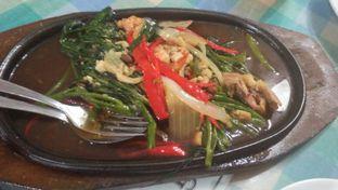 Foto 2 - Makanan di Ayam Goreng Suharti oleh Review Dika & Opik (@go2dika)