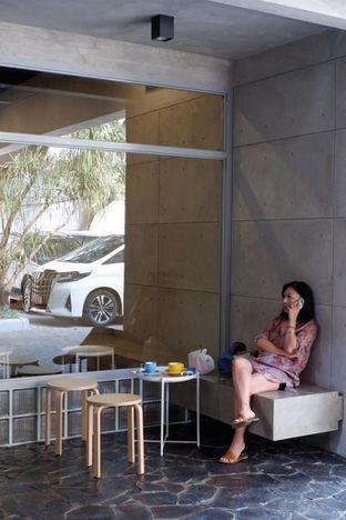 Foto 6 - Interior di Toebox Coffee oleh Prido ZH