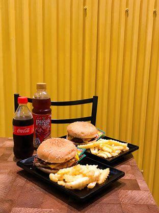Foto 14 - Makanan di FIX Burger oleh yudistira ishak abrar