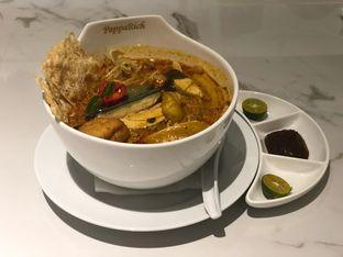 Foto 1 - Makanan(Chiken Curry Laksa) di PappaRich oleh feedthecat
