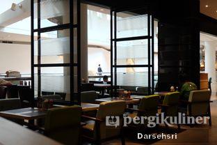 Foto 5 - Interior di MOS Cafe oleh Darsehsri Handayani