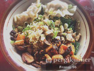 Foto 5 - Makanan di Bakmi Hau Hau oleh Fransiscus