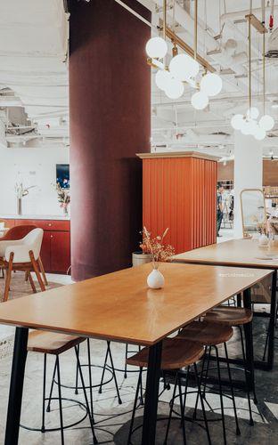Foto 5 - Interior di 11:11 Coffee oleh Indra Mulia