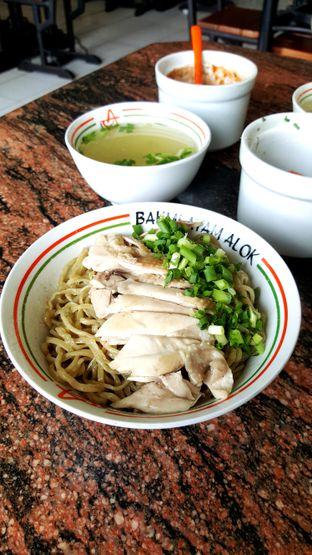 Foto 1 - Makanan di Bakmi Ayam Alok oleh Naomi Suryabudhi