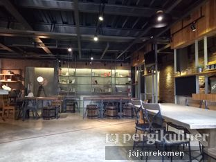 Foto 7 - Interior di One Eighty Coffee and Music oleh Jajan Rekomen