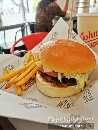 Foto review Johnny Rockets oleh claredelfia  1