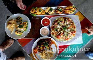Foto 8 - Makanan di The Grounds oleh GAGALDIETT