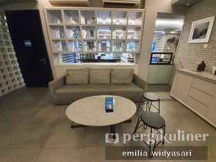 Foto 3 - Interior di YOMS Pisang Madu & Gorengan oleh Emilia miley