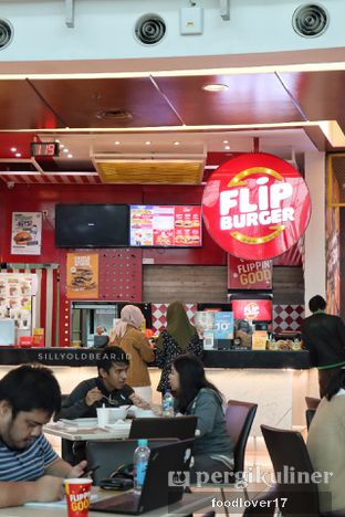 Foto 1 - Interior di Flip Burger oleh Sillyoldbear.id