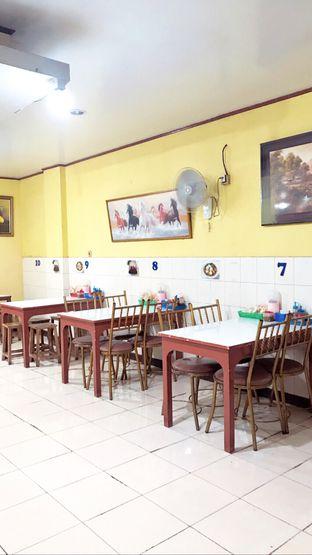 Foto 7 - Interior di Mie Keriting Medan Asun oleh Riris Hilda