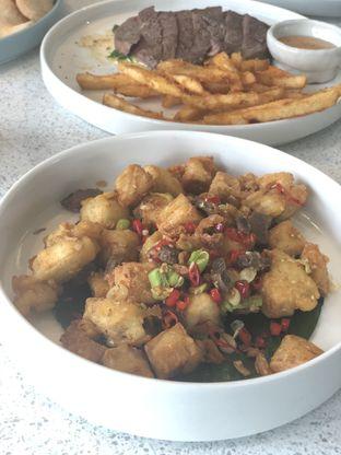 Foto 9 - Makanan(Salt Pepper Double T) di Twin House oleh YSfoodspottings