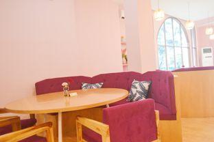 Foto 4 - Interior di Kullerfull Coffee oleh IG: biteorbye (Nisa & Nadya)