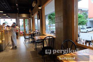 Foto 8 - Interior di Daily Press Coffee oleh Ladyonaf @placetogoandeat