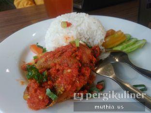 Foto 2 - Makanan(Nasi Ayam Rica-Rica) di Righthands Coffee oleh Muthia US