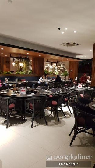 Foto 9 - Interior di Coca Suki Restaurant oleh UrsAndNic