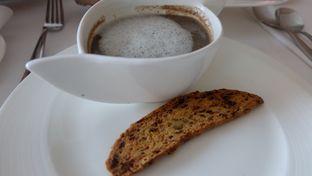 Foto 4 - Makanan di The Cafe - Hotel Mulia oleh Sharima Umaya