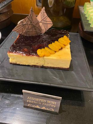 Foto review Pelangi Cafe - Ambhara Hotel oleh Yohanacandra (@kulinerkapandiet) 13