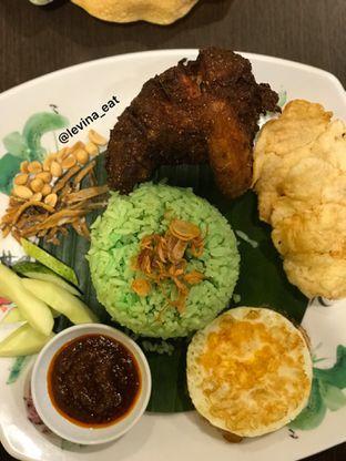 Foto 8 - Makanan(Nasi Lemak Ayam Goreng) di Ah Mei Cafe oleh Levina JV (IG : levina_eat )