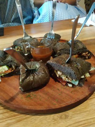 Foto 9 - Makanan di Equator Coffee & Gallery oleh Pradyta Febriana Rudiyanto