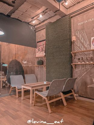 Foto 4 - Interior di Red Blanc Coffee & Bakery oleh Levina JV (IG : @levina_eat & @levinajv)