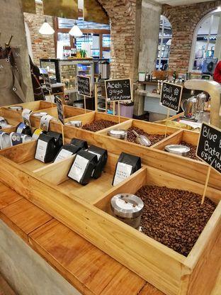 Foto 4 - Interior di Sajiva Coffee Company oleh @makansamaoki