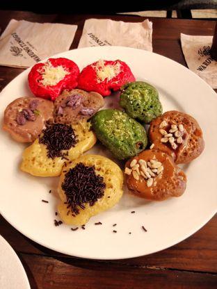 Foto 2 - Makanan(Kue Cubit) di Koffie Warung Tinggi oleh Dwi Izaldi