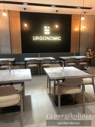 Foto 10 - Interior di Ergonomic Coffee & Lounge oleh Cubi