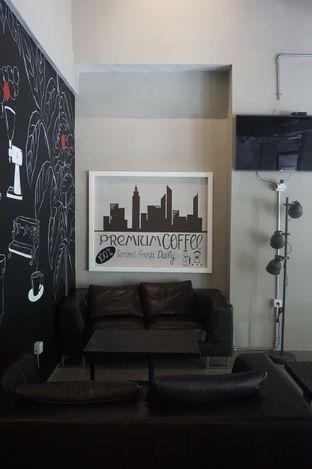 Foto 22 - Interior di Kapyc Coffee & Roastery oleh yudistira ishak abrar
