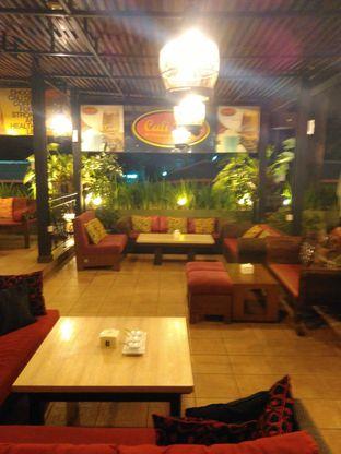Foto 6 - Interior di Cali Deli oleh Renodaneswara @caesarinodswr