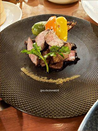 Foto 8 - Makanan(Oolong Marinated Sumiyaki Australia MB 7 Wagyu Beef with Sweet Miso) di Twelve oleh Alvin Johanes