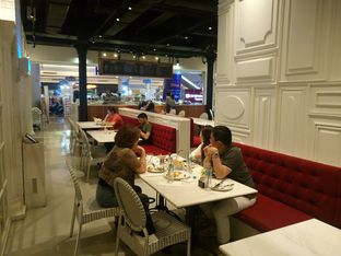 Foto 10 - Interior di Nosh Kitchen oleh yudistira ishak abrar